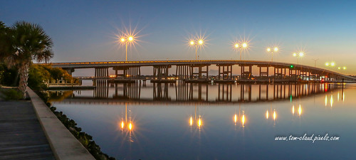 bridge palmcitybridge dawn morning sunrise lights sparkle sparkling water waterfront river southfork stlucieriver palmcity florida usa seascape landscape nature outdoors outside bluesky