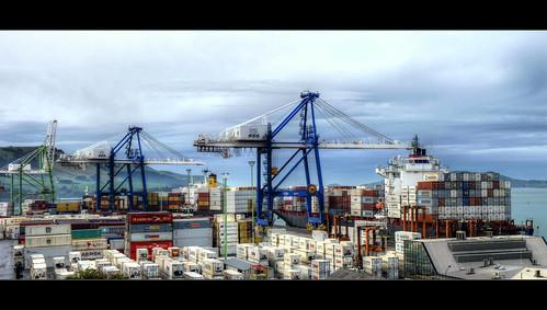 sea sky port lumix boat ship web ships cranes otago dunedin freight containers chalmers fz38 fz35 pommedan
