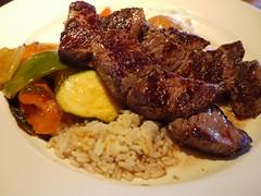 金, 2011-08-05 20:30 - 牛肉のスブラキ