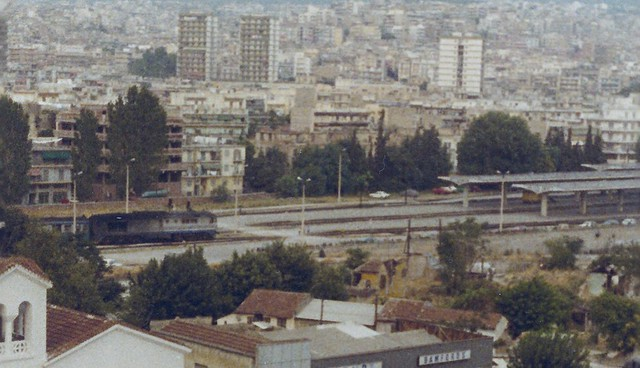 1984HansViagens0066a Thessaloniki station, with a train arriving