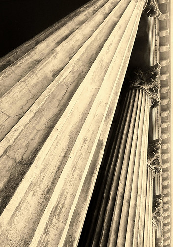 monochrome sepia columns samsung australia monotone victoria masonic vic column performingartscentre bendigo 1873 thecapital masonichall classicarchitecture flutedcolumns samsunggt18000t phunnyfotos