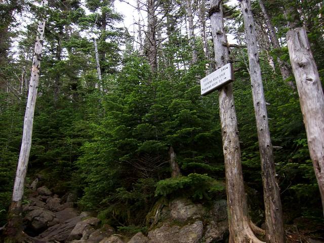 1:52:30 (31%): sign hiking newhampshire whitemountains franconianotch mtlafayette fallingwaterstrail mtlincoln franconiarange shiningrockspur