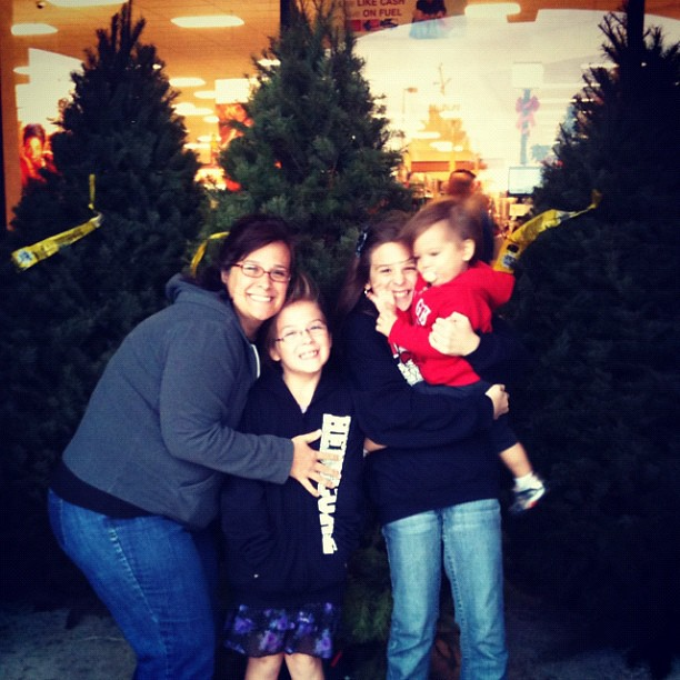 Kroger Christmas Hours.Kroger Once Again Has The Best Christmas Trees At The Lowe