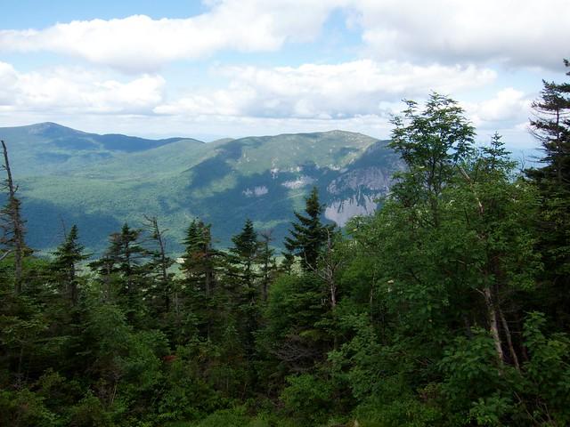 1:58:42 (33%): hiking newhampshire whitemountains franconianotch mtlafayette mtlincoln franconiarange shiningrockspur