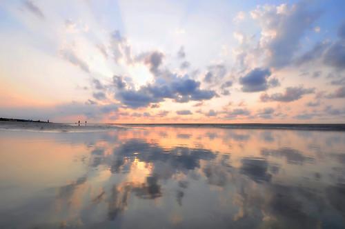 morning clouds sunrise reflections landscapes nikon day cloudy southcarolina hiltonhead pinoy d90 wetreflections handheldshot yahooweather burkesbeach setholiver1 1024mmtamronuwalens
