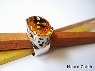 Rhodium-plated silver and citrine ring | by Mauro Cateb