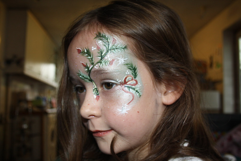 Christmas Face Paint.Christmas Face Paint Pine Tree Hot Diggity Dog1 Flickr