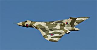 Vulcan XH558 Overfly Wellesbourne 1
