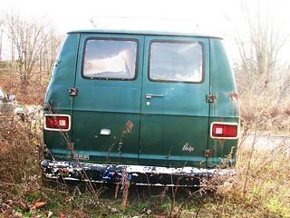A 1976 DODGE SPORTSMAN VAN IN NOV 2011 | Now in the weeds  | RICHIE
