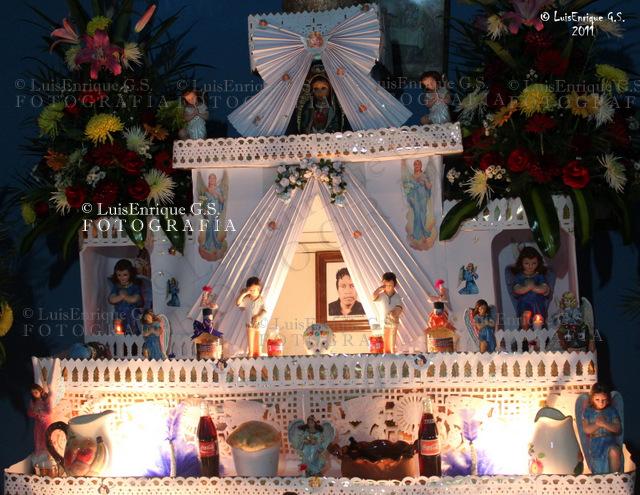 Ofrenda O Altar De Muertos 28 De Octubre Accidentados Flickr