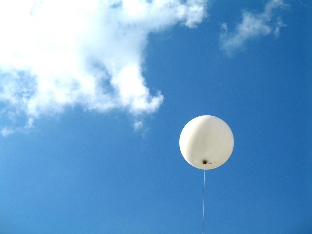 Rüyada Beyaz Balon Görmek Patlatmak