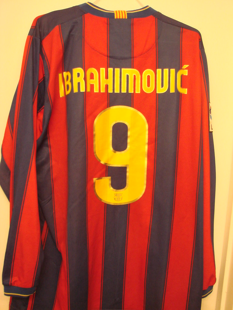 separation shoes ff6d2 086a6 2010 Barcelona Home Ibrahimovic Long Sleeve Jersey L BACK ...