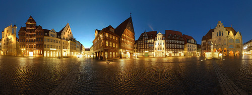 architecture nightshot cityhall architektur marketplace rathaus marktplatz 360° nachtaufnahme hildesheim fachwerk blauestunde hugin stativ rolandbrunnen
