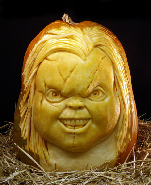 the_most_outrageous_pumpkin_carvings_ever_640_high_06