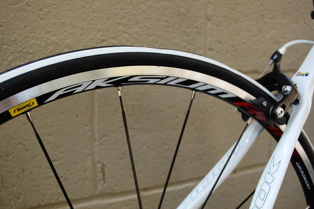 Look 566 2012 Mavic Aksium Wheelset