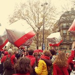 Sat, 12/12/2015 - 12:21pm - Amazing square inflatable balls that delighted the marchers Paris climate change March