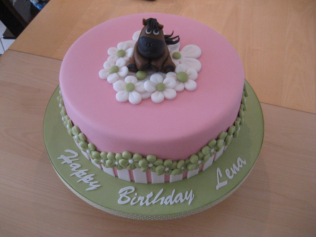 Birthday Cake For A 8 Year Old Girl