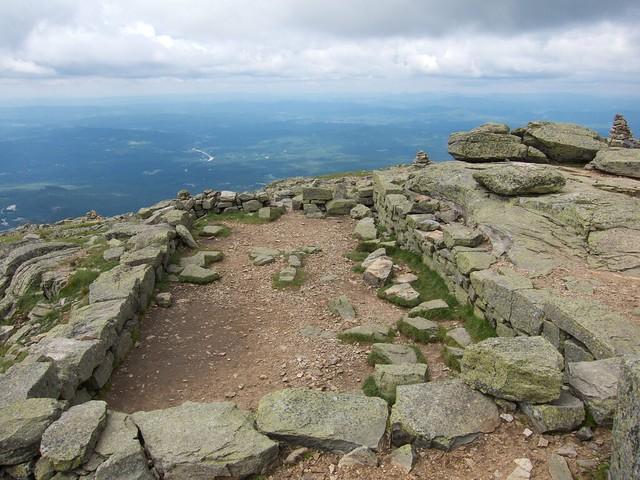 3:54:38 (66%): hiking newhampshire whitemountains franconianotch mtlafayette franconiaridgetrail mtlincoln franconiarange