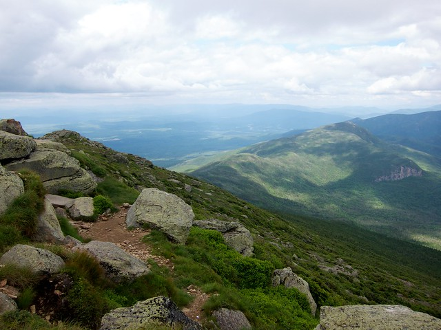 4:13:00 (71%): hiking newhampshire whitemountains franconianotch mtlafayette franconiaridgetrail mtlincoln franconiarange