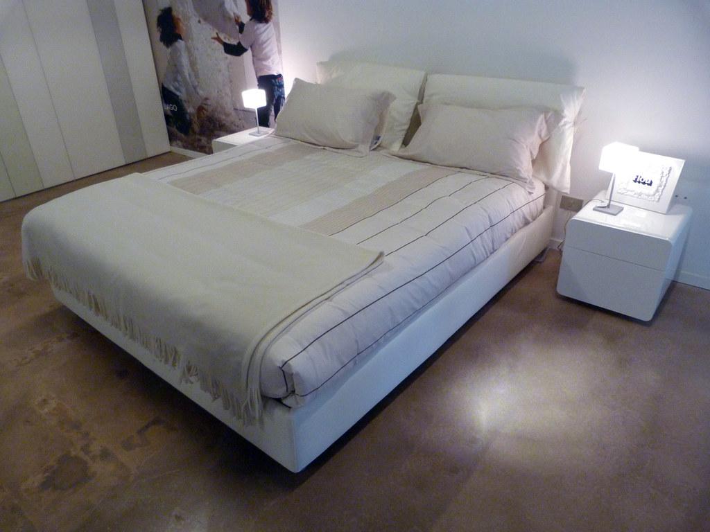 Letto Nathalie Flou Outlet 1 | vista d\'insieme del letto | Flickr