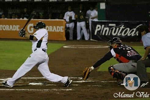 IMG_0588 Pericos de Puebla vs Leones de Yucatán (1er J Serie) Temporada 2012 LMB por Mv Fotografía Profesional –Manuel Vela y Lyz Vega- / www.pueblaexpres.com