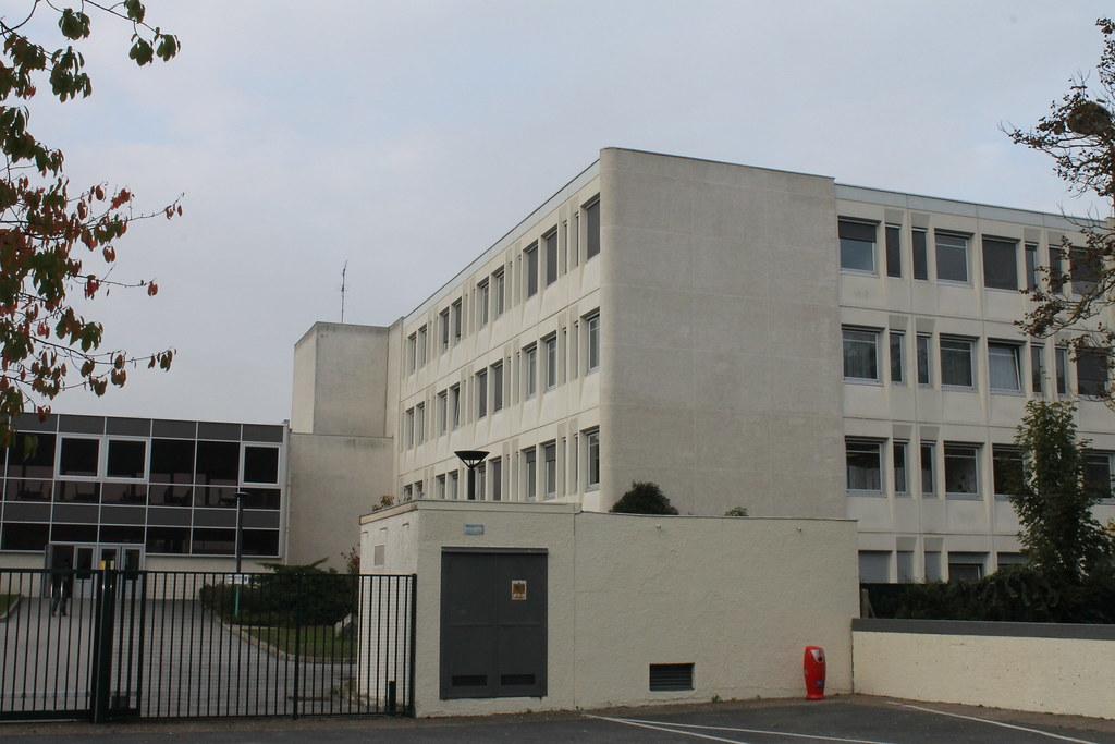 About >> Collège Paul Eluard - Guyancourt | Consultez la page du coll… | Flickr