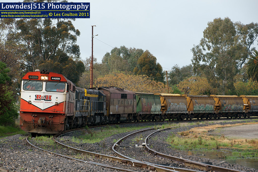 44209, TL152, T333 & GM36 at Benalla by LowndesJ515