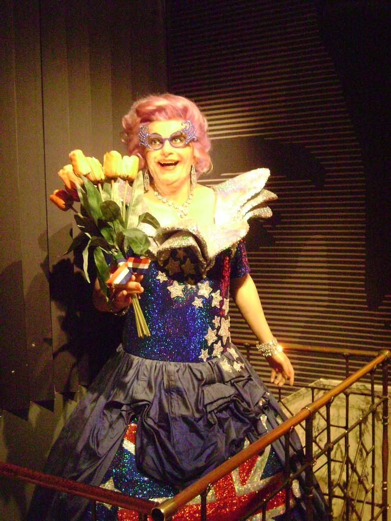 Dame Edna Everage, Madame Tussauds Amsterdam, Ámsterdam, Holanda 2011/Amsterdam, The Netherlands' 11 - www.meEncantaViajar.com