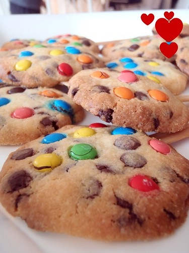 love choc chip cookies   by bluebakeblog