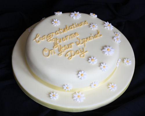 Awe Inspiring Yellow Daisy Birthday Cake Adele Pool Flickr Funny Birthday Cards Online Elaedamsfinfo