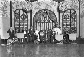 The Syd Roy Lyricals dance band, Wentworth Hotel, Sydney, 1929 / Sam Hood
