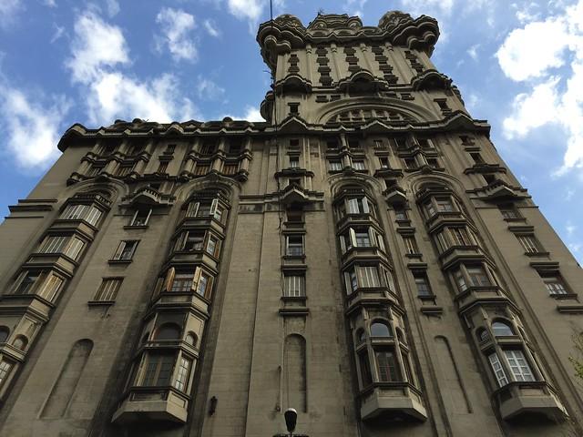Palacio Salvo, Plaza Independencia 846, Montevidéu, Uruguai.