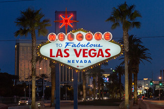 Welcome To Fabulous Las Vegas sign at night | by Lorie Shaull