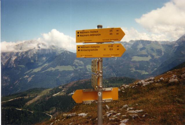 Die Katapulte ohne Patrouille und eine Hochzeit mit den Bergen am Watzmann Ängste im Herbst in den Alpen nun wiegt sich der Adler Flug, ich mische mich drunter und folge dem Zug zu den Wolken, und Berg und Tal umfittichen wir, sie weilet da drunten, ich spähe nach ihr 210