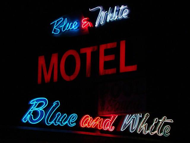 MT, Kalispell-U.S. 2 Blue & White Motel Neon Sign