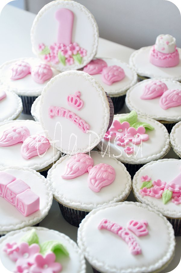 Marvelous Princess Birthday Cupcakes Efla Cake Shop Flickr Funny Birthday Cards Online Inifodamsfinfo
