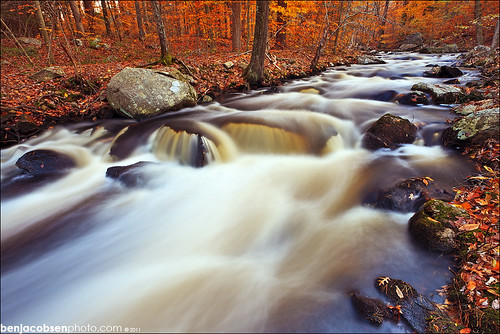ri fall leaves river waterfall 1740 leegnd 5dii leecp nooseneckhollow