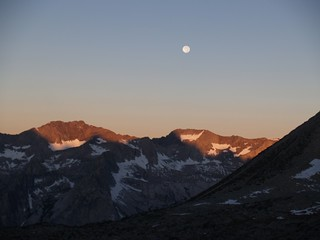 0925 Dusy Basin dawn - full moon over the Black Divide | by _JFR_