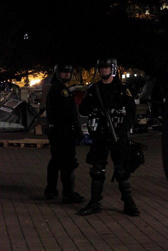 police_oakland_occupy_eviction | by samtweich