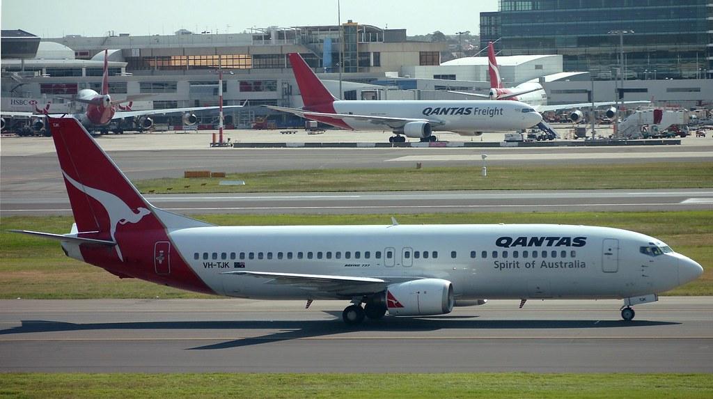 QANTAS Boeing 737-400 Classic VH-TJK