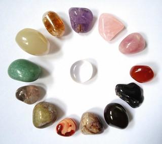 Pebbles of the quartz group | by Mauro Cateb
