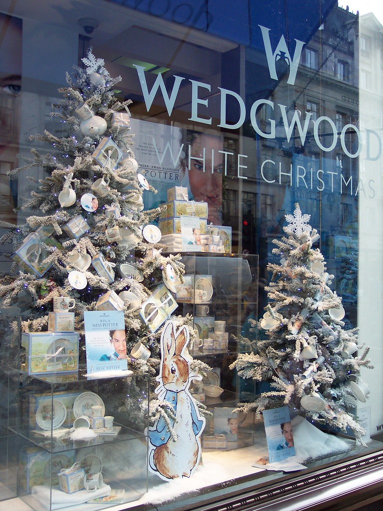 Wedgwood Christmas Ornaments.Peter Rabbit Christmas Tree At Wedgwood Peter Rabbit Chris
