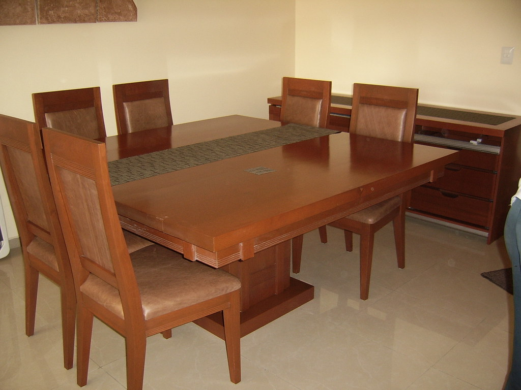 Comedor contemporaneo | Mesa cuadrada 150x150 con 8 sillas e ...