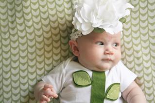 Easy-peasy DIY baby flower costume!   yourwishcake.com   by wishcake