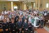 Links die Ehrengäste aus Kraichgau, dahinter die Veranstalter und Gäste. Foto: Cornel Gruber
