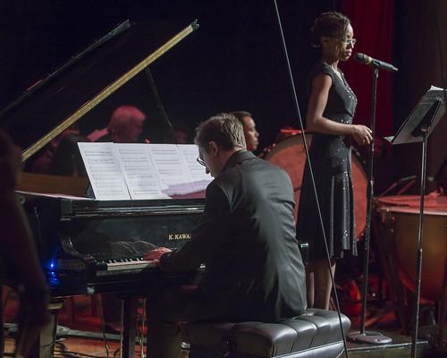 Tatjana Jemmott performs a solo in French