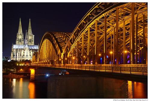 Hohenzollern Bridge n Cologne Cathedral