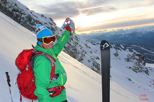 Fri, 2011-11-04 04:58 - Skier Mike T... G3 skins bringing us to the early season goods..Nov 4 2011