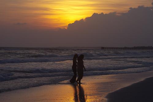friends sunset sun beach canon sand surf friendship florida best dresses forever bff bffs mexicobeach napg tonybarber 40d