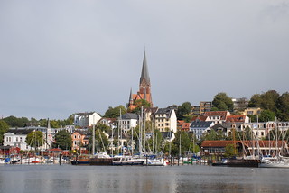 Across the harbour in Flensburg | by thskyt